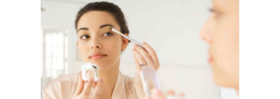 Maquillaje en casa: tips básicos para lucir espléndida